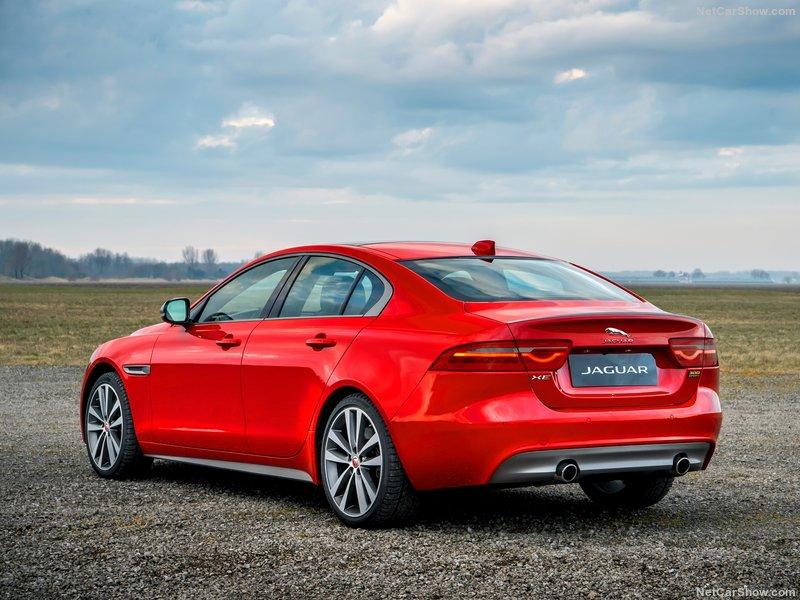 e257fa390 Jaguar 2019 • Carro Bonito