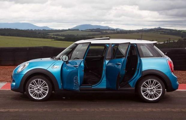Novo mini cooper 5 portas chega ao brasil carro bonito for Mini 5 portas