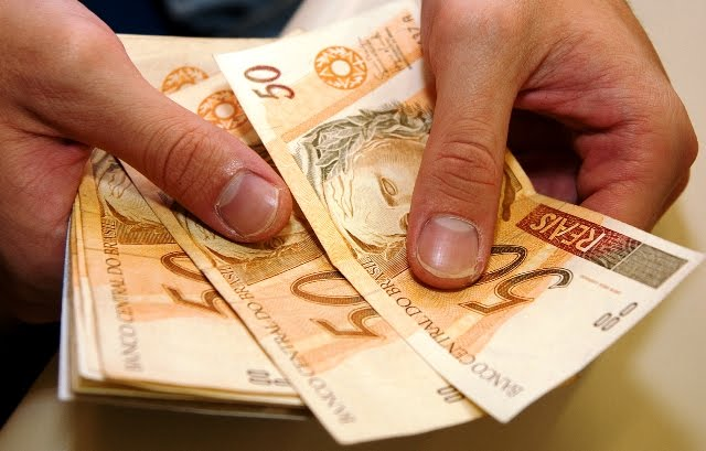 http://www.blogolandialtda.com.br/img-upload/images/Salario%20Minimo.jpg