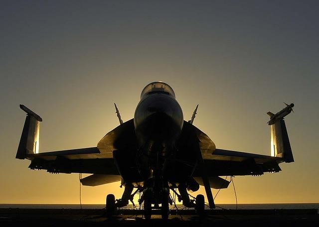 Um avião caça