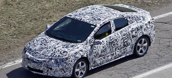 Chevrolet Volt camuflado