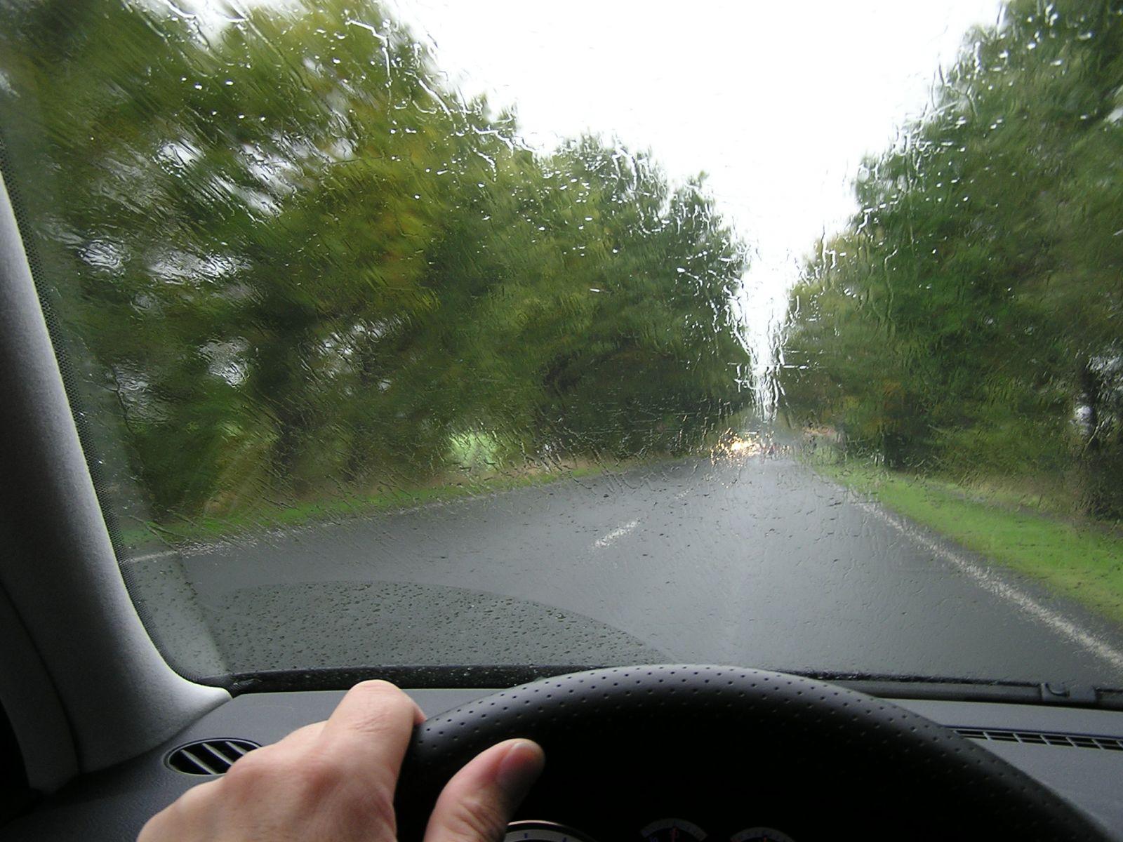 Dirigindo na chuva