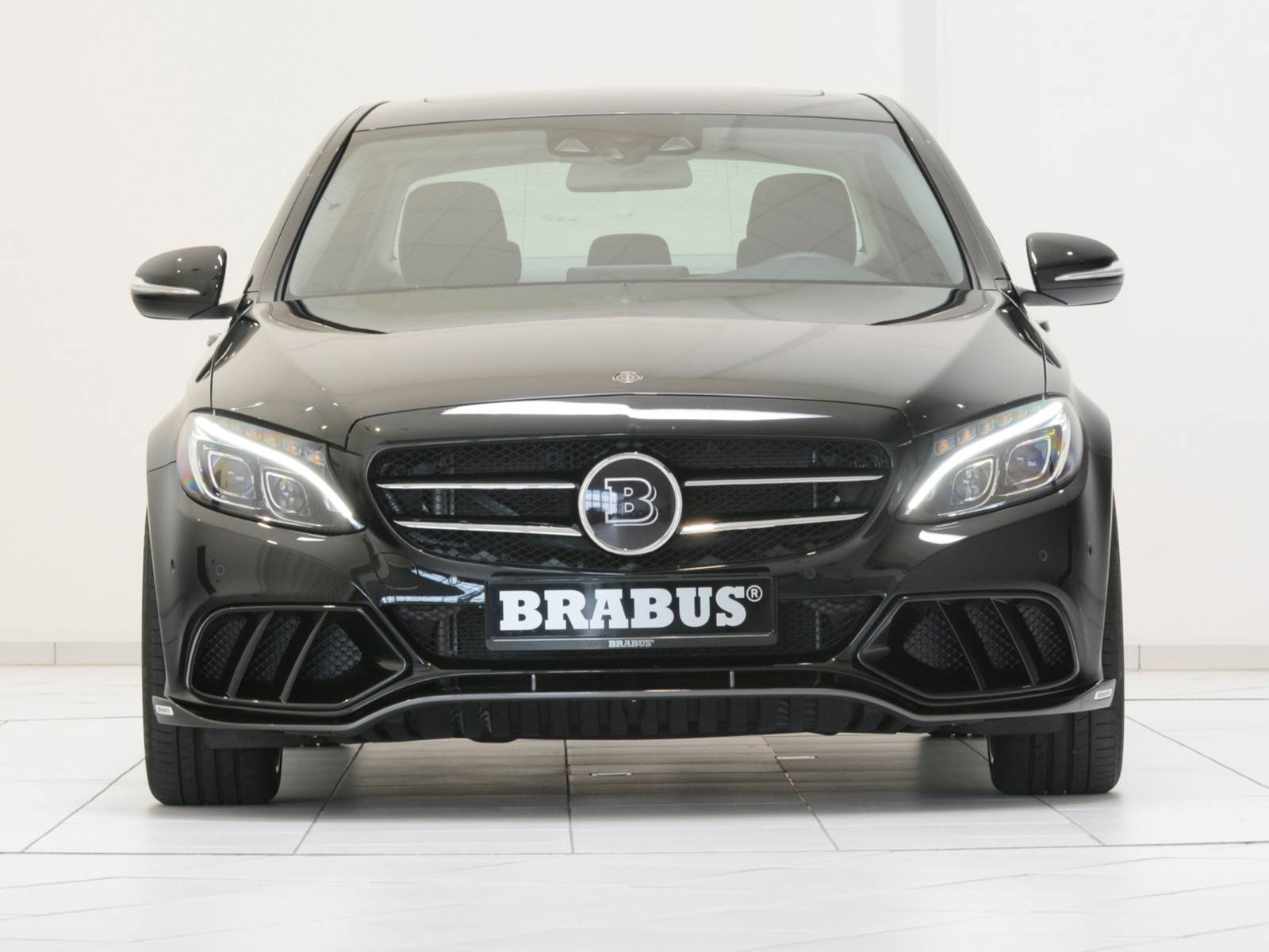 mercedes benz classe c200 brabus novo modelo com visual esportivo carro bonito. Black Bedroom Furniture Sets. Home Design Ideas