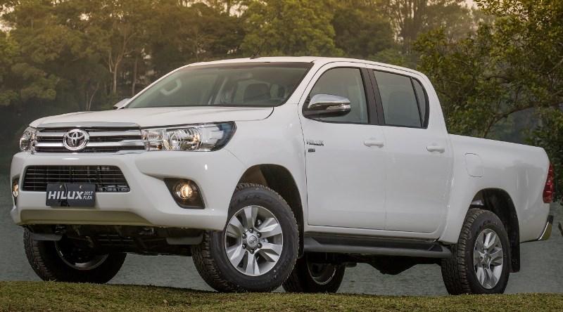 Toyota Hilux flex 2017