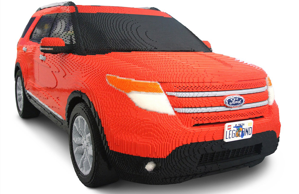 Carro feito de lego