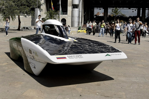 Carro movido a energia solar
