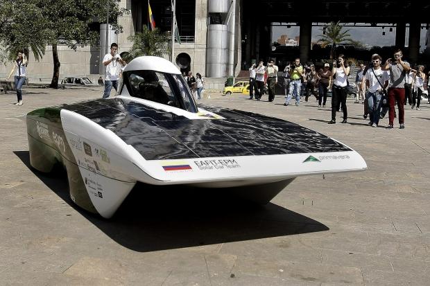 Carro movido a energia solar