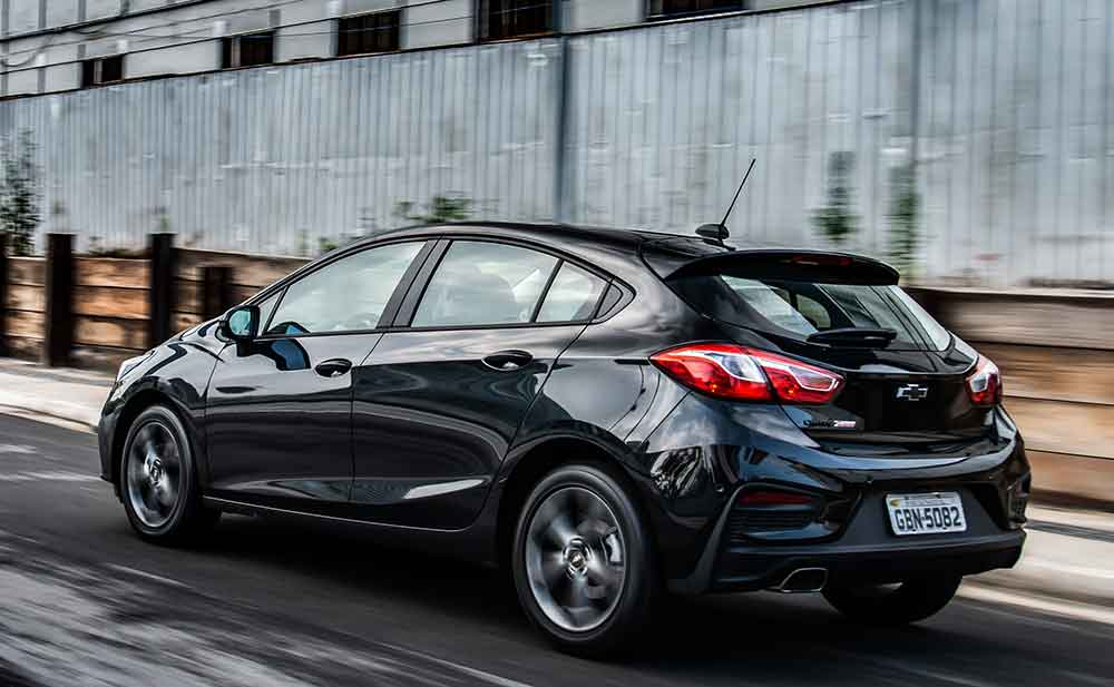 Chevrolet Cruze Black Bow Tie 2019