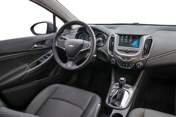 Chevrolet Cruze Sedan 2018 interior