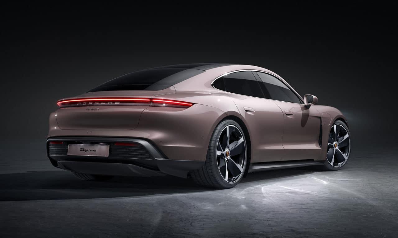 Porsche Taycan Básico
